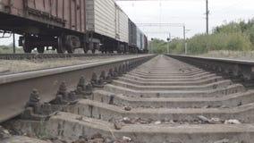 Passage van de camera langs spoorwegsporen