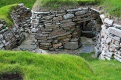 Passage voor afval, in een Voorhistorisch Dorp. royalty-vrije stock foto's