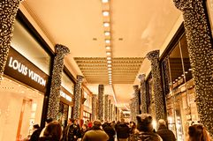 Passage way busy for Xsmas shopping - Bologna Stock Images
