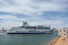 Passageiro Brittany Ferry O Normandie que entra em Portsmouth, Reino Unido Foto de Stock Royalty Free