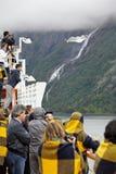 Passageiros do Fjord de Geyranger da fotografia do forro Fotos de Stock Royalty Free