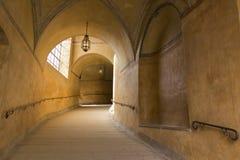 Passagekorridor som ska rockeras Arkivbilder