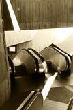 Passagem com escadas rolantes, matiz do sepia Fotografia de Stock Royalty Free