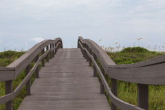 Passagem de madeira do acesso da praia Fotos de Stock Royalty Free