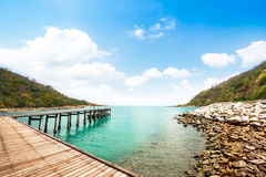 Passagem de madeira na praia Fotos de Stock Royalty Free