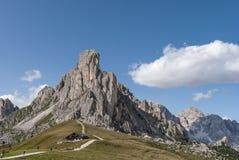 Passagem de montanha alta Giau imagens de stock royalty free
