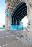 Passagem de ponte da torre fotos de stock royalty free