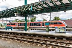 Passagem expressa de REGIO através do estação de caminhos-de-ferro em Decin Imagens de Stock