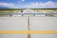 Passagem superior com estrada. Imagem de Stock Royalty Free