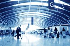 Passager dans l'aéroport de Changhaï Pudong Photos libres de droits