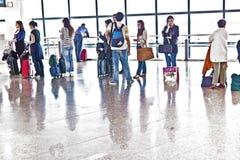 Passager dans l'aéroport de Madrids Photos libres de droits