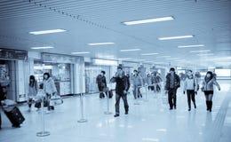 Passager in der Untergrundbahn Stockbild