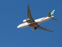 Passagerare Boeing 777, emirater Fotografering för Bildbyråer