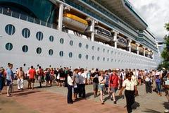 Passagerare för St Lucia kryssningShip Arkivfoto