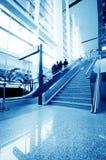 Passagerare i den shanghai pudong flygplatsen Royaltyfri Bild