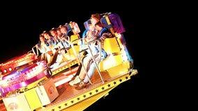 Passagerare som skriker i snabb roterande karusell på natten stock video