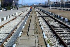 Passagerare som väntar drevet i Sofia Bulgaria, November 25, 2014 Royaltyfri Fotografi