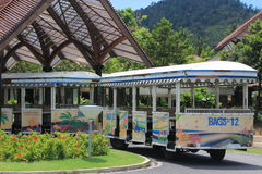 Passagerarebuss på Koh Samui Airport Royaltyfri Foto