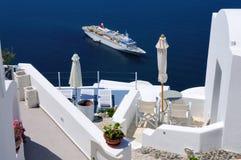 Passagerareeyeliner Santorini Arkivbild