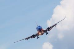 Passagerareflygplanlandning Arkivfoto