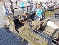Passageraresalong av det sovjetiska militära all-hjul-drev medlet av W Royaltyfria Bilder