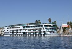 Passagerareskepp på Nilen Royaltyfria Bilder