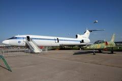 Passagerarflygplan TU -155 på det internationella flyget och Spen Royaltyfria Bilder