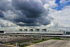 Passagerarterminal av den Pulkovo flygplatsen, St Petersburg, Ryssland Royaltyfri Foto