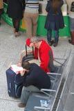 Passagers échoués par aéroport pendant la grève Images libres de droits