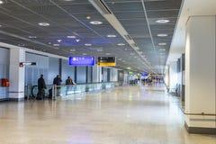 Passagers au hall de départ à Francfort Photographie stock libre de droits