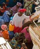 Passagers de bac de la Gambie image libre de droits