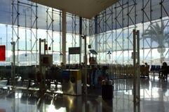 Passagers de salon d'aéroport de Barcelone Image libre de droits