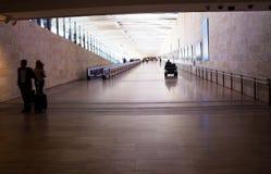 Passagers non identifiés chez Ben Gurion International Airport Tel Aviv l'israel Images libres de droits