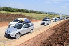Passagers par la route de péage demi-complète Image stock