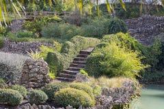 Passages couverts par un jardin de roche Images libres de droits