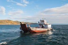 Passaggio-barca con i turisti Immagini Stock