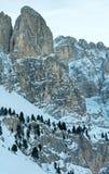 Passaggio di Gardena di inverno di mattina in dolomia del Tirolo del sud, Italia. Immagini Stock