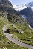 Passaggio di montagna di Susten Fotografie Stock Libere da Diritti