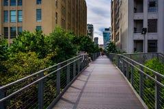 Passaggio pedonale all'alta linea, in Manhattan, New York Fotografie Stock