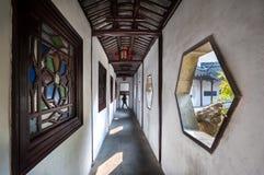 Passaggio pedonale coperto in Lion Grove Garden, Suzhou fotografia stock