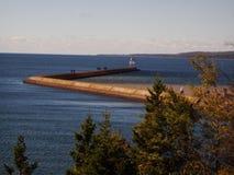 Passaggio pedonale del faro del lago Superiore fotografia stock libera da diritti