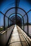 Passaggio pedonale del tunnel del ponte Immagini Stock