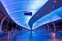 Passaggio pedonale dell'aeroporto di Manchester Immagini Stock Libere da Diritti