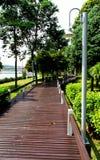 Passaggio pedonale di legno del percorso Fotografia Stock Libera da Diritti