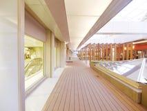 Passaggio pedonale di legno lungo Fotografie Stock