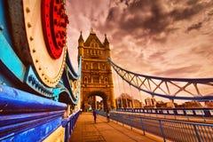 Passaggio pedonale di Londra del ponte della torre Immagine Stock