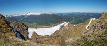 Passaggio pedonale di Tightrope alla montagna del fellhorn, alpi di allgau Immagini Stock