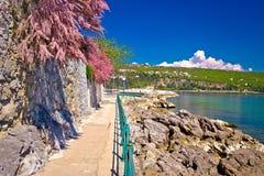 Passaggio pedonale famoso della costa di Lungomare in Opatija immagini stock