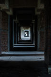 Passaggio pedonale in hotel abbandonato Fotografie Stock