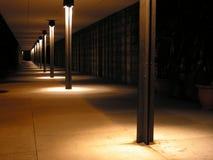 Passaggio pedonale lungo alla notte Fotografie Stock